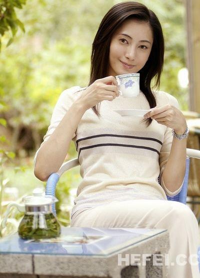 女性喝茶要注意 保护身体健康